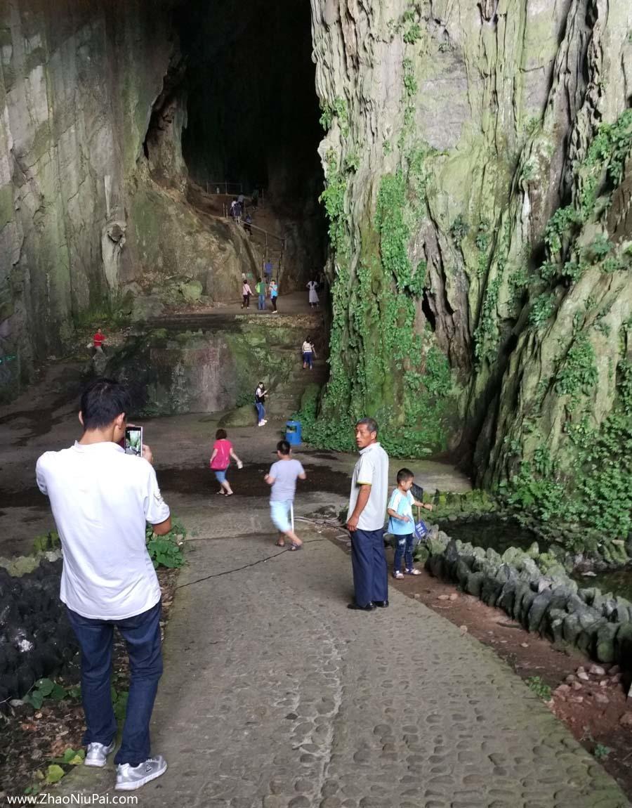 连平内莞圣迹苍岩,宽大的溶洞口