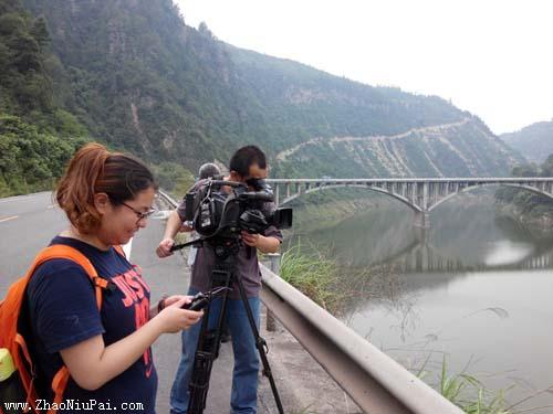 央视记者在雷闯老家重庆忠县甘田村拍摄